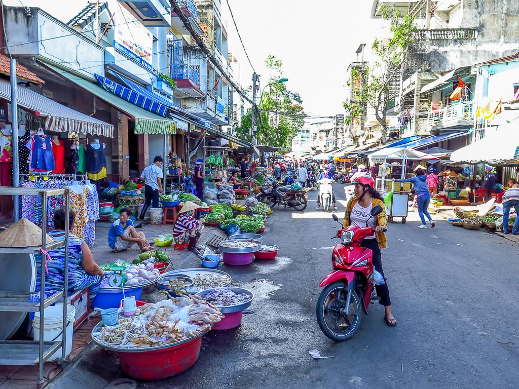 hai-ba-trung-market